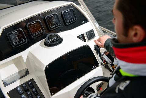 Suzuki introduces new Multi Function Gauge | Suzuki Marine